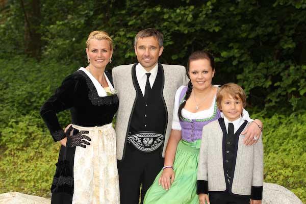 Zillertaer Tracht, Tradition in Tirol, Ranzen, Dirndl,
