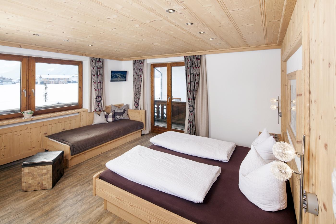 Schlafzimmer Apart Madeleine im Apart Tyrol Uderns im Zillertal